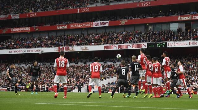Tan binh choi mo nhat, Arsenal nhoc nhan vuot ai Southampton hinh anh 11