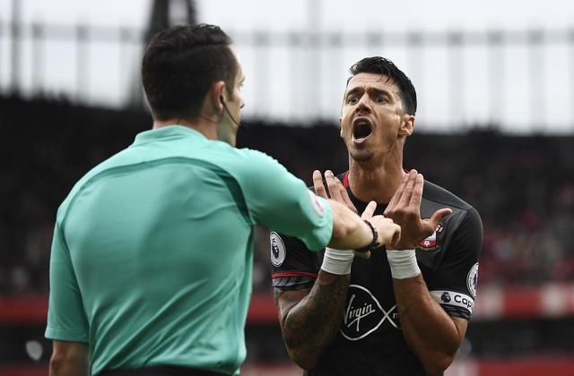 Tan binh choi mo nhat, Arsenal nhoc nhan vuot ai Southampton hinh anh 20