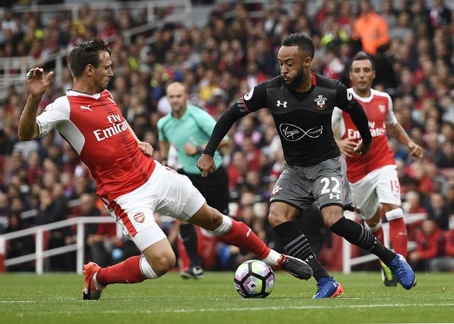 Tan binh choi mo nhat, Arsenal nhoc nhan vuot ai Southampton hinh anh 10