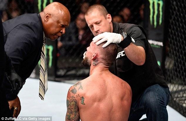 Cuu sao dau vat bieu dien thua chong vanh ngay ra mat UFC hinh anh 5