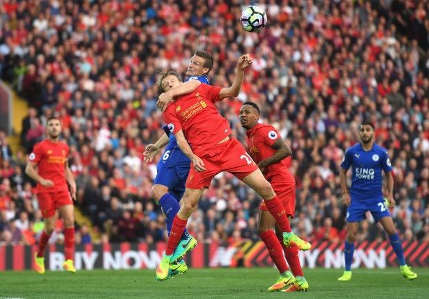 Bravo, Mkhitaryan lot doi hinh te nhat vong 4 Premier League hinh anh 5
