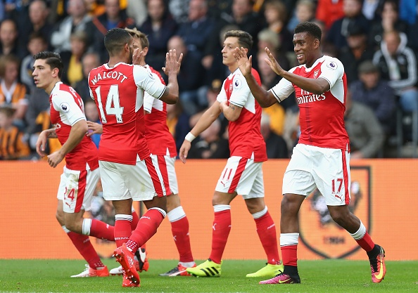 Xhaka lap sieu pham, Arsenal de bep Hull City 4-1 hinh anh 8