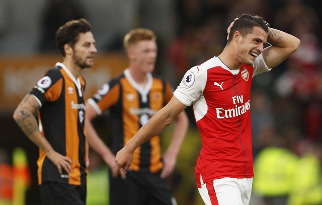 Xhaka lap sieu pham, Arsenal de bep Hull City 4-1 hinh anh 15