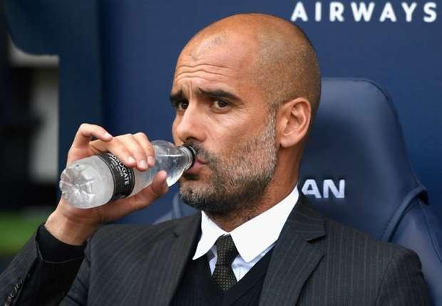 Bi hoi kho, Pep Guardiola chui the trong buoi hop bao hinh anh