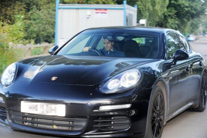 Mourinho bo 3 tru cot trong tran dau tai League Cup hinh anh 5
