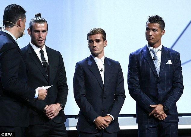 'Bong vang nen trao cho Griezmann thay vi Ronaldo, Messi' hinh anh 1