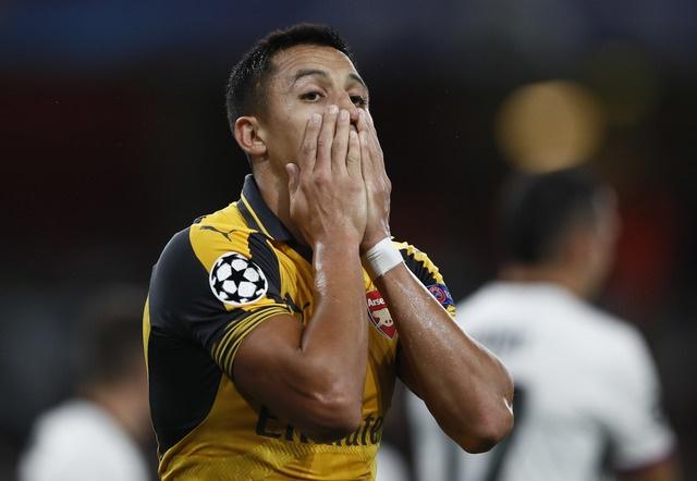 Arsenal thang de, PSG vat va loi nguoc dong truoc Ludogorets hinh anh 17