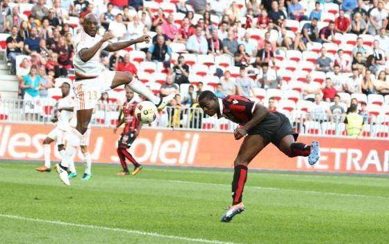 Balotelli lap sieu pham dua Nice tro lai so mot Ligue 1 hinh anh 16