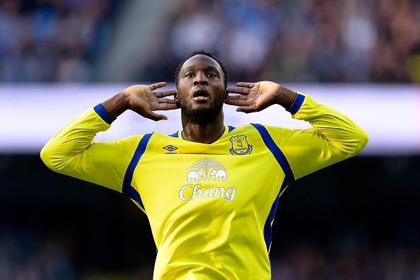 Da hong 2 qua 11 m, Man City bi Everton cam hoa 1-1 hinh anh