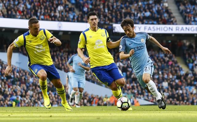 Da hong 2 qua 11 m, Man City bi Everton cam hoa 1-1 hinh anh 14