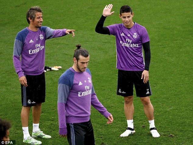 Ronaldo chua quen 'moi thu' bi dong doi xo hang hinh anh 4