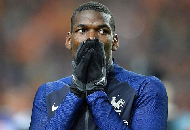 Mat Bailly, Mourinho muon day Pogba xuong choi trung ve hinh anh