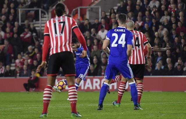 Costa lap sieu pham dua Chelsea ap sat nhom dan dau hinh anh 17