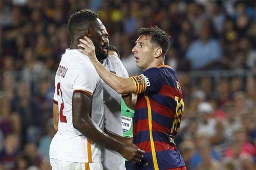 6 lan 'ca gian mat khon' cua Messi tren san co hinh anh