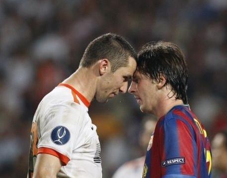 6 lan 'ca gian mat khon' cua Messi tren san co hinh anh 1