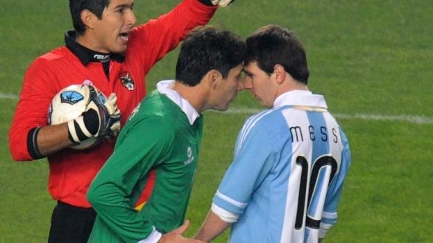 6 lan 'ca gian mat khon' cua Messi tren san co hinh anh 2