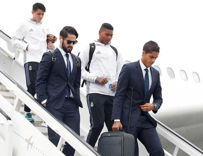 Real Madrid bi Legia cam hoa 3-3 trong tran mua sieu pham hinh anh 5