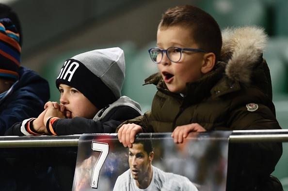 Real Madrid bi Legia cam hoa 3-3 trong tran mua sieu pham hinh anh 15