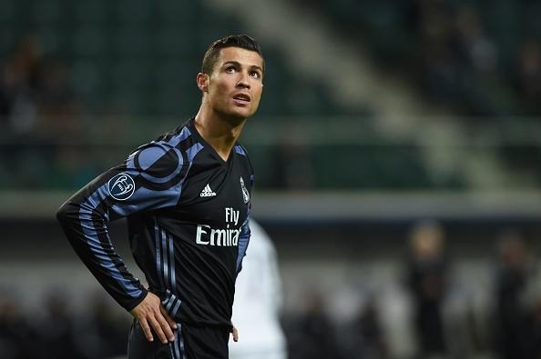 Real Madrid bi Legia cam hoa 3-3 trong tran mua sieu pham hinh anh 14