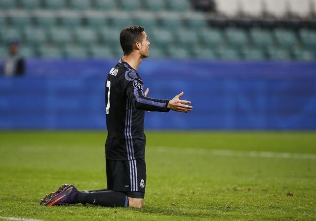 Real Madrid bi Legia cam hoa 3-3 trong tran mua sieu pham hinh anh 16