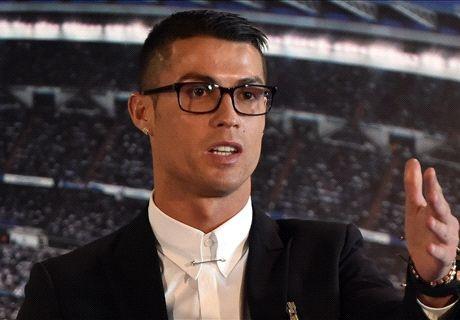 Cong dong mang che gieu cap kinh cua Ronaldo hinh anh