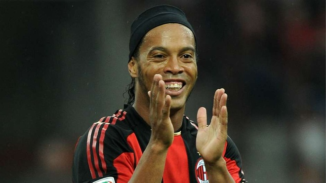 Ronaldinho, Messi va nhung tam the do dang nho trong lich su hinh anh 9