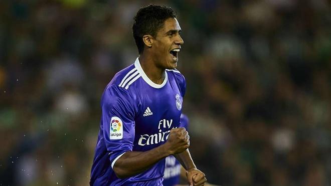 Ronaldo bi loai khoi sieu doi hinh derby Madrid hinh anh 4