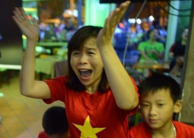 CDV Viet Nam vo oa niem vui sau ban thang cua Cong Vinh hinh anh
