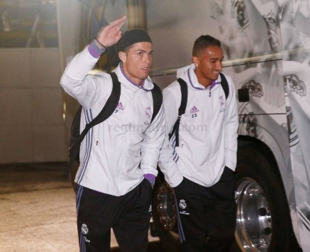 Ronaldo lap cu dup, Real xay chac ngoi dau hinh anh 6
