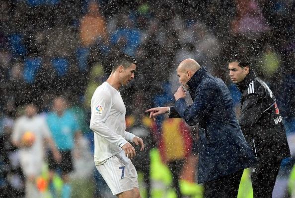 Ronaldo lap cu dup, Real xay chac ngoi dau hinh anh 14