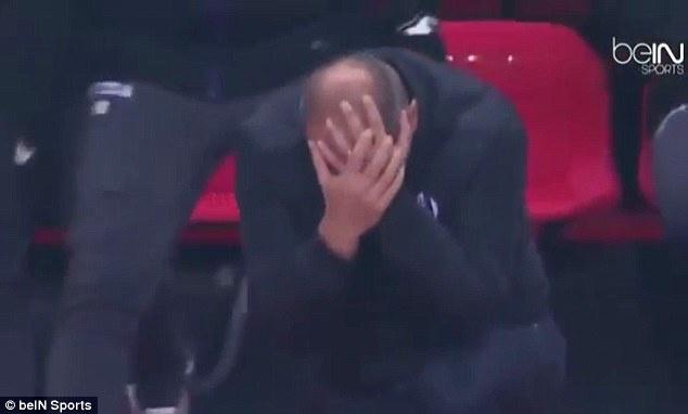 Huan luyen vien Ligue 1 an va lo lieu tren san hinh anh 1
