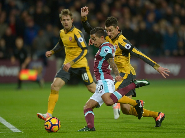 Sanchez ghi hat-trick, Arsenal vui dap West Ham 5-1 hinh anh 14