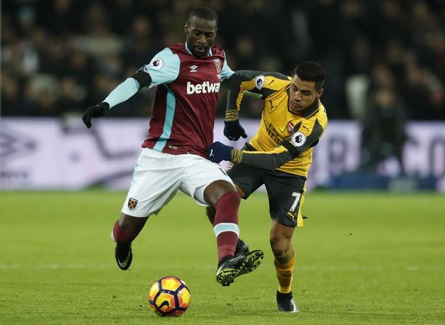 Sanchez ghi hat-trick, Arsenal vui dap West Ham 5-1 hinh anh 13