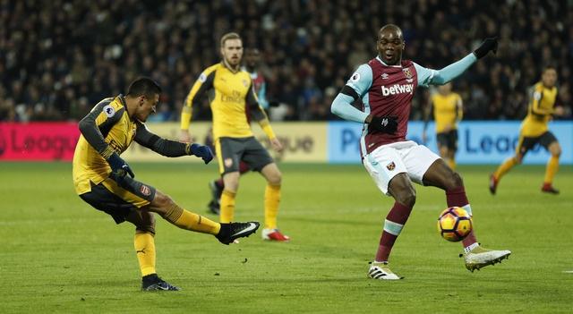 Sanchez ghi hat-trick, Arsenal vui dap West Ham 5-1 hinh anh 16