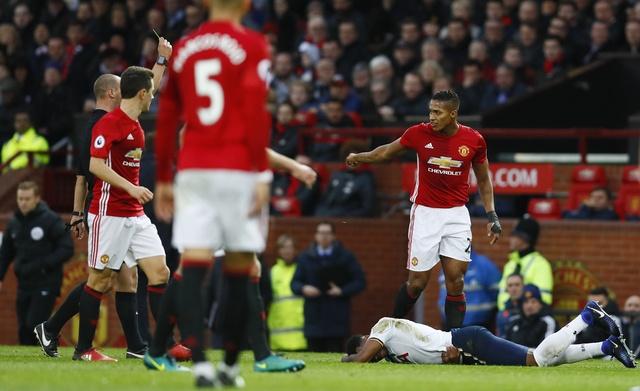 MU vs Tottenham (1-0): Chien thang kem vui hinh anh 17