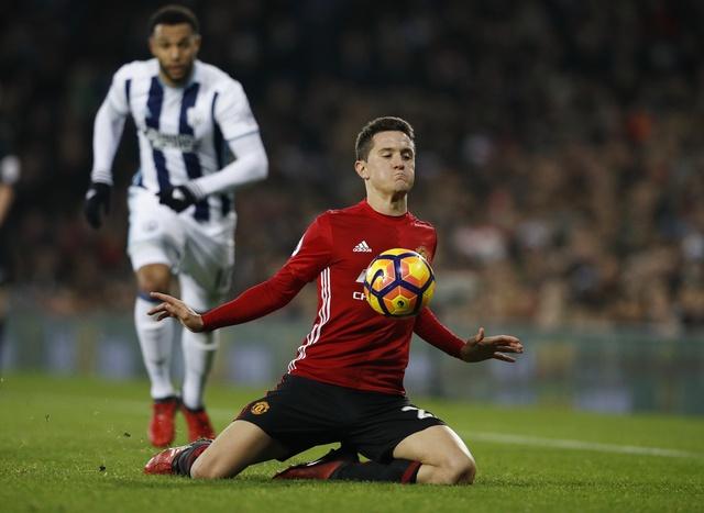 West Brom vs MU (0-2): Ibrahimovic lap cu dup hinh anh 14