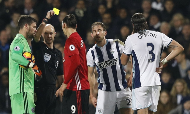 West Brom vs MU (0-2): Ibrahimovic lap cu dup hinh anh 13