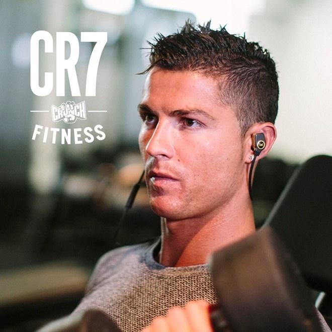 Ronaldo khoa moi nguoi tinh moi trong buoi hen ho hinh anh 7