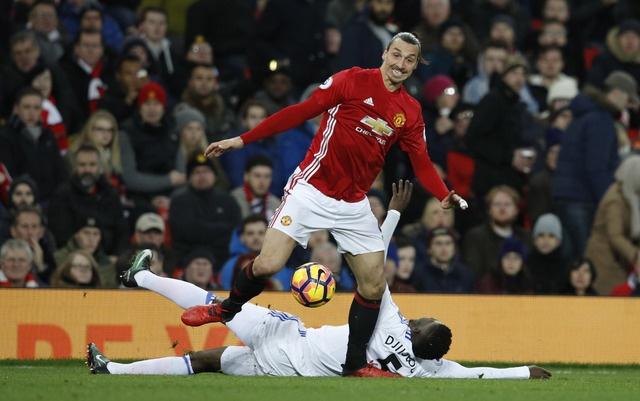 MU vs Sunderland (3-1): Mkhitaryan lap sieu pham hinh anh 20