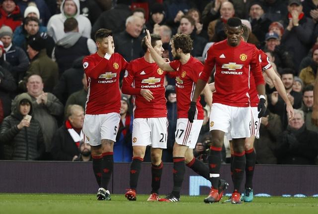 MU vs Sunderland (3-1): Mkhitaryan lap sieu pham hinh anh 15