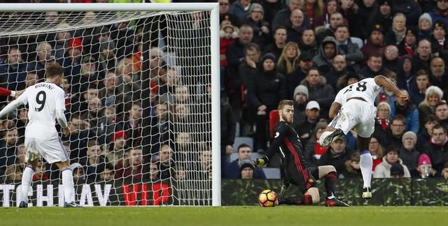 MU vs Sunderland (3-1): Mkhitaryan lap sieu pham hinh anh 13