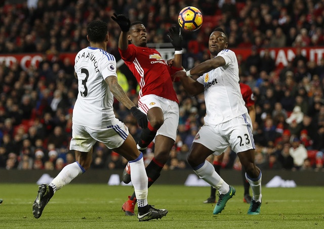 MU vs Sunderland (3-1): Mkhitaryan lap sieu pham hinh anh 16