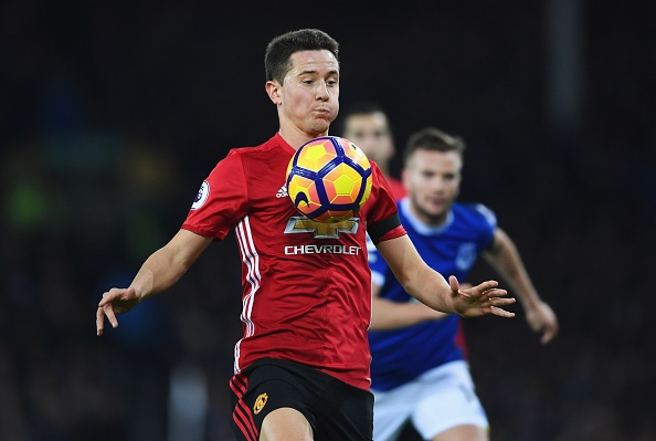 Ander Herrera tiet lo thoi quen me tin anh 1
