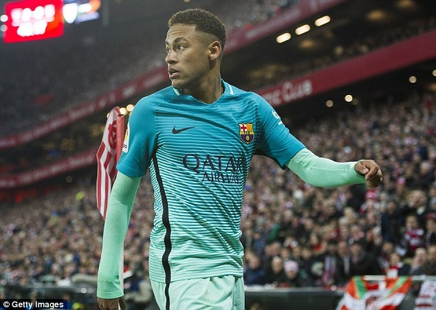 Neymar khoe tai dien xuat ben nguoi dep hinh anh 6