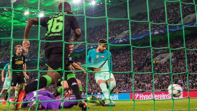 Suarez loai Griezmann khoi doi hinh tieu bieu FIFA 2016 hinh anh 4
