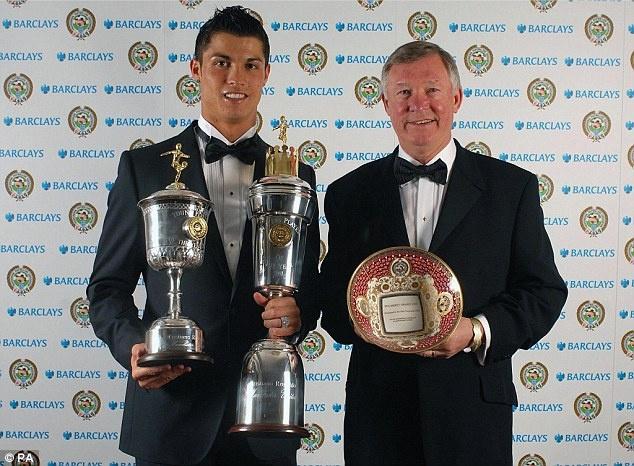 Sir Alex Ferguson - nguoi doi theo tung buoc di cua Ronaldo hinh anh 6