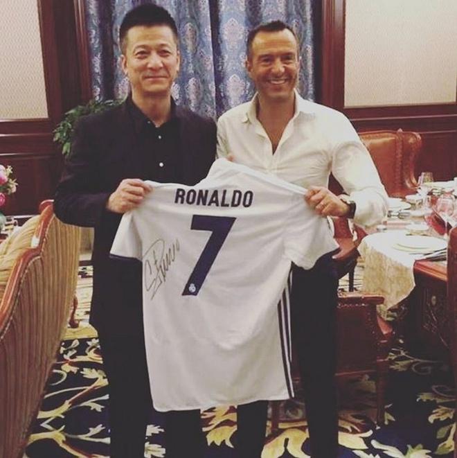 Chuyen nhuong 14/1: Conte duoi Costa sang Trung Quoc hinh anh 1