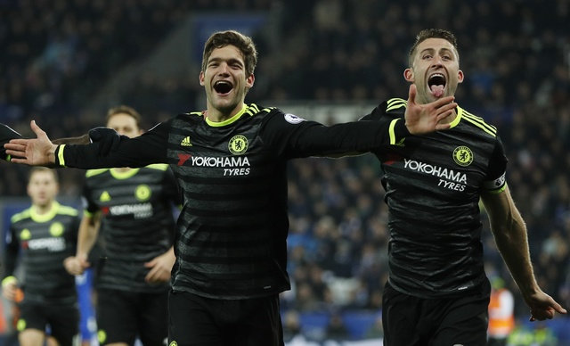 Leicester vs Chelsea (0-3): Marcos Alonso lap cu dup hinh anh