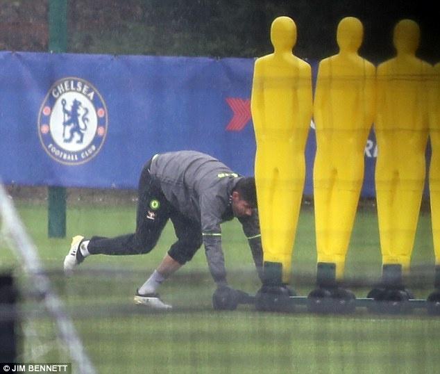 Diego Costa bi cach ly khoi doi mot Chelsea hinh anh 2