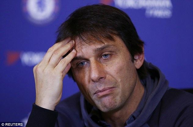 Diego Costa tap mot minh anh 7
